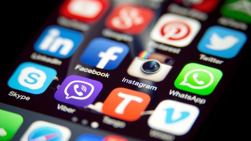 Как отправлять сообщения клиентам о статусе их сделок в соцсети